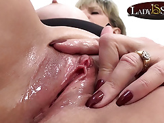 Close up masturbation with naughty mature Lady Sonia