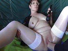 Pierced mature getting vaginal fisting 1